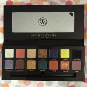 Anastasia Beverly Hills Prism Pallete